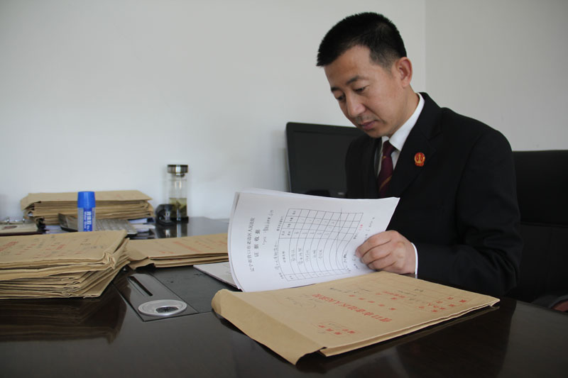 7年结案3000多件的办案标兵 记营口市老边区人民法院民二庭副庭长王天伟